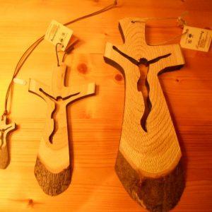 crocifissi legno